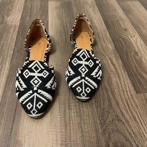 Shoes - Sole Society Black and White Tribal Pointy Toe